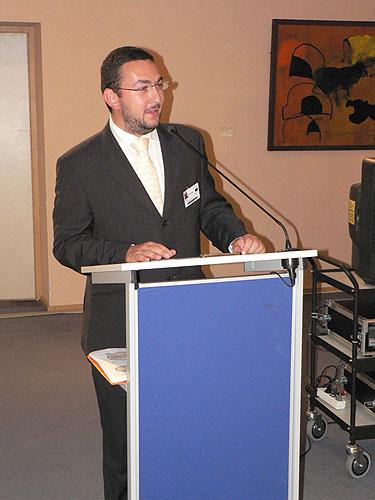 Vernisáž výstavy EVROPA, KOLÉBKA VĚDECKÉHO PORODNICTVÍ, generální ředitel Národního muzea Praha, Dr. Michal Lukeš, 2.10.2007, budova Paul Henry Spaak, Evropský parlament v Bruselu