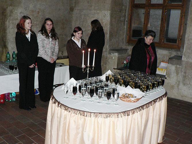 Vernisáž výstavy  MÍSTA UTRPENÍ, SMRTI A HRDINSTVÍ, 9. ledna 2008, Gotický sál Husitského muzea v Táboře