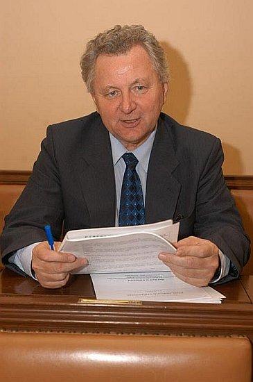 Portrét v poslanecké lavici ve Sněmovně