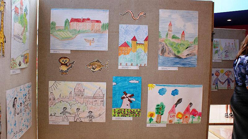 """Vernisáž výstavy """"Evropa očima dětí MŠ"""" v Táboře, 20. června 2008, foto: Jaroslav Hrdlička"""