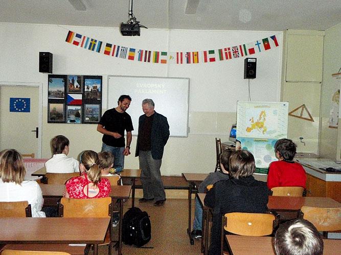 Přednáška a beseda Jaroslava Zvěřiny se žáky ZŠ Helsinská v Táboře, 14. dubna 2009