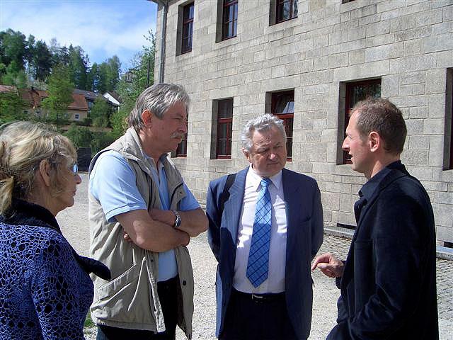Návštěva památníku v bývalém koncentračním táboře Flossenbürg, 27. dubna 2009