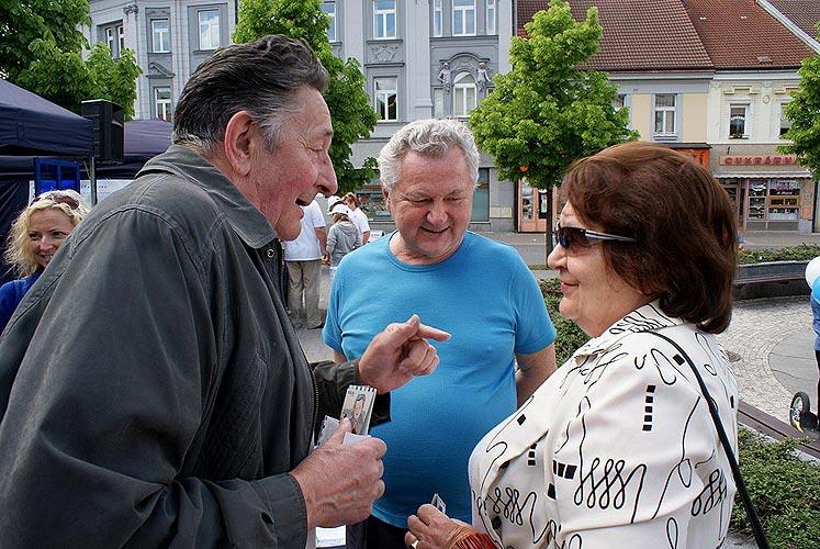 Předvolební akce v Benešově, 11. května 2009, foto: Jan Karlovský