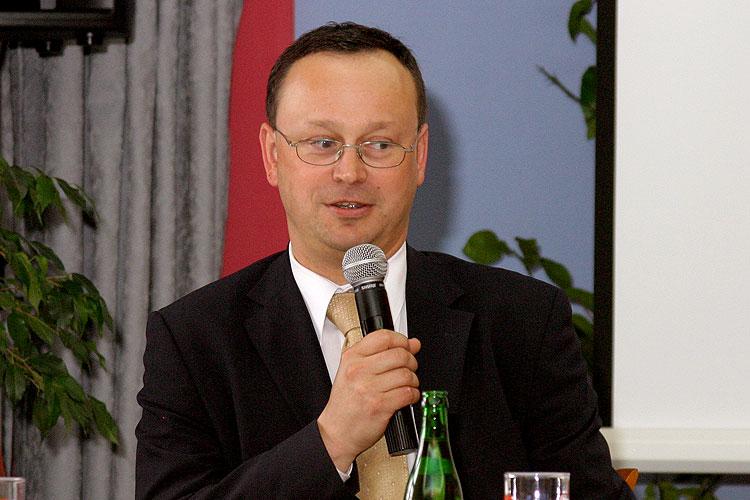 Luboš Průša, pracovní setkání pravicových komunálních politiků Jihočeského kraje, 10.4.2006, Hotel LÁZNĚ v Táboře – Čelkovicích, foto: Lubor Mrázek