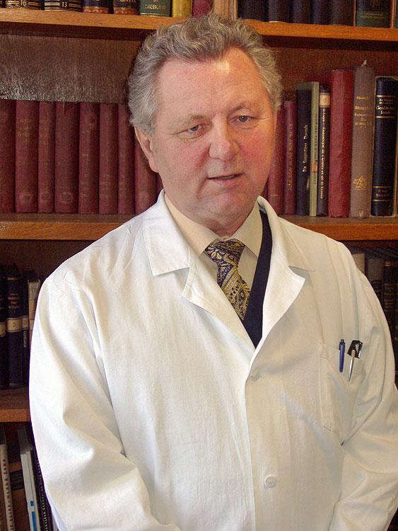 Doc. MUDr. Jaroslav Zvěřina, CSc. psychiatr a sexuolog, poslanec EU, portrét