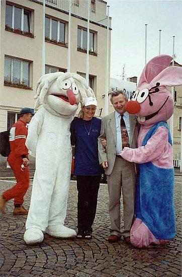 Dětský den, který pravidelně spolupořádáme s o.p.s. Podaná ruka, Žižkovo náměstí v Táboře, rok 2000